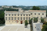 Der petit palace und festung saint-andre in avignon in frankreich — Stockfoto