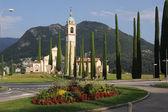 L'église de sant abbondio à gentilino sur la partie italienne de la Suisse — Photo