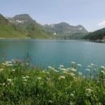 majestätische Bergsee der Ritom in Switss Alpen — Stockfoto