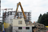 Demolishes a house — Stock Photo
