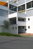 A new modern building — 图库照片