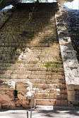 Aged steps in Mayan ruins — Stock Photo