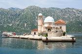 Matka Boża na zatoki Kotorskiej wyspy rock — Zdjęcie stockowe