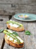Bruschetta with asparagus — Stock Photo