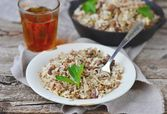 Dirty rice with ground beef — Stock Photo