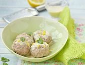 Meat bolls with lemon sauce — Stock Photo