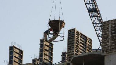 Colata di cemento in una casa di recente costruzione — Video Stock