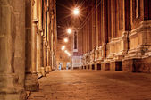 Old city street at night — 图库照片