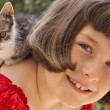 Little girl with cute kitten — Stock Photo