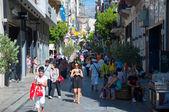 Shopping on Ermou Street in Athens, Greece. — Stock Photo