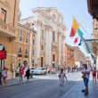 ROME-AUGUST 7: The Via del Corso on August 7, 2013 in Rome. The Via del Corso commonly known as the Corso, is a main street in the historical centre of Rome. — Stock Photo #35817737