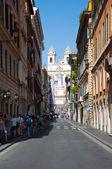 ROME-AUGUST 6: Via Condotti on August 6, 2013 in Rome. Via Condotti (officially Via dei Condotti) is a busy and fashionable street of Rome, Italy. — Stock Photo