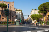 ROME-AUGUST 8: Via Cavour on August 8,2013 in Rome, Italy. Via Cavour is a street in the Castro Pretorio rione of Rome, named after Camillo Cavour. — Stock Photo