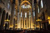 BARCELONA-AUGUST 13: Interior of the Santa Maria del Pi on August 13,2009 in Barcelona, Catalonia, Spain.Santa Maria del Pi is a 14th-century Gothic church in Barcelona, Catalonia, Spain. — Foto Stock