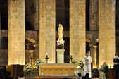 BARCELONA-AUGUST 13: Interior of the Santa Maria del Pi on August 13,2009 in Barcelona, Catalonia, Spain.Santa Maria del Pi is a 14th-century Gothic church in Barcelona, Catalonia, Spain. — Stockfoto