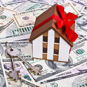 A model home, gift, dollars — Foto Stock