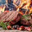 filetto succulenta bistecca e arrosto verdure — Foto Stock