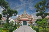 Wat Arun  is a Buddhist temple  in Bangkok — Stock Photo