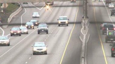 Traffic in Portland, Oregon over freeway. — Stock Video