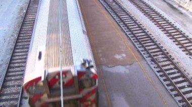 El Train High Angle Speeding By — Stock Video