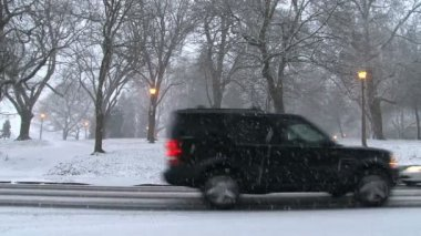 Cars go on snowy roads — Wideo stockowe