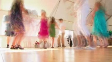 Many dance at wedding on the dance floor during reception time lapse. — Stock Video