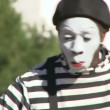 Street mime smiling and performing for tourists in Las Vegas, Nevada. — Stock Video