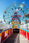Coney Islands Wonder Wheel — 图库照片