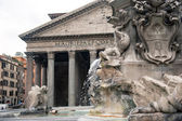 Exterior view of the Pantheon, the ancient Roman temple — Stok fotoğraf