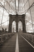 Brooklyn Bridge in New York City. Sepia tone. — Stockfoto