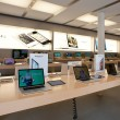 Apple Store on August 6, 2012 in Bologna, Italy. Apple has 363 stores worldwide — Stock Photo #14581121
