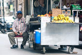 NEW YORK CITY - JUN 24: Food seller in NYC on June 24, 2012. New — Stock Photo