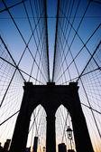 Brooklyn Bridge in New York at dusk. — Stock Photo