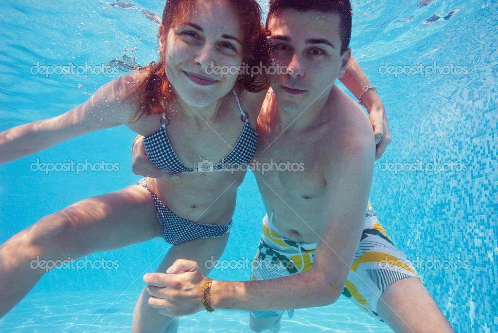 Underwater Couple Kissing In Swimming Pool Stock Photo Pio3 14633605