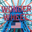NEW YORK - JUNE 27: Coney Island's Wonder Wheel on June 27, 2012 — Stock Photo