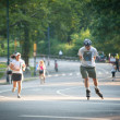 NEW YORK - JULY 1: enjoying outdoor activities in Central — ストック写真