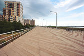 Coastline buildings and esplanade at Far Rockaway Beach. New York City — Stock Photo