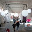 Visit design exhibition in Zona Tortona area during Fuorisalone - Stockfoto