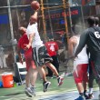 NEW YORK CITY - JUNE 28: West 4th Streets iconic basketball court — 图库照片