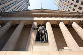 George Washington statue at Wall Street, New york City — Stock Photo