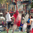 "NEW YORK CITY - JUNE 28: West 4th Streets iconic basketball court, ""the cage"" — Stock Photo"