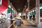 VENICE, ITALY - FEBRUARY 5: Rialto fish market, February 5, 2013 — Stock Photo