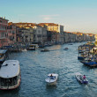 VENICE, ITALY - SEPTEMBER 30: Boats in Grand Canal, one of the major water-traffic corridors in the city. — Stock Photo