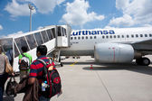 FRANKFURT, GERMANY - JULY 5: Boarding Lufthansa Jet airplane in Frankfurt airport. — Stock Photo
