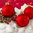 tres bolas rojas de Navidad — Foto de Stock