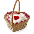 Heart on the snow in a wicker basket - Foto de Stock  