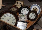 Skupina staré hodiny — Stock fotografie
