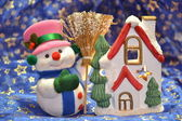 Christmas snowman and little house — Stock Photo