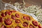 Apulian Focaccia with tomatoes — Stockfoto