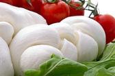チェリー トマト、ルッコラ、モッツァレラチーズのサラダ — ストック写真